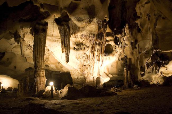 Пещера Орлова чука <br />с. Пепелина